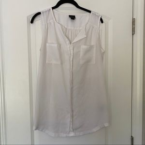 White Sleeveless Blouse Size Large